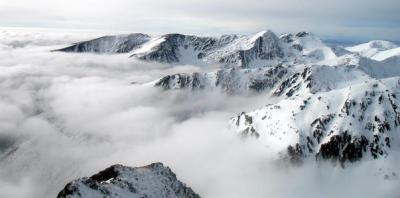 peisaj muntii fagaras romania iarna