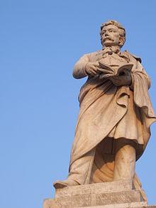 220px-Statuia_lui_Gheorghe_Lazăr