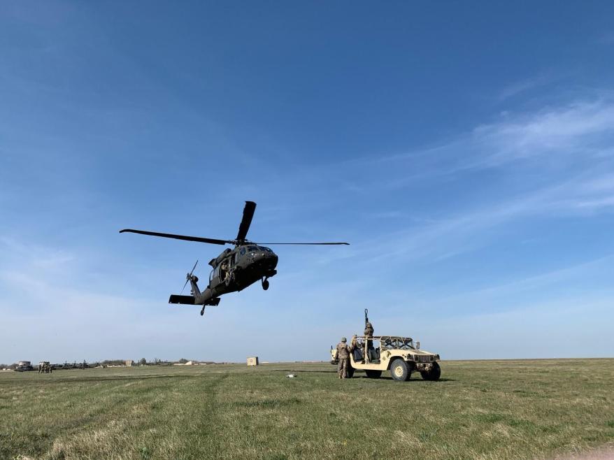 elicoptere americane in zbor in romania